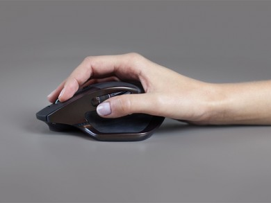 Using Bluetooth Smart Technology or the Logitech Unifying receiver, you can pair the mouse with up to three devices