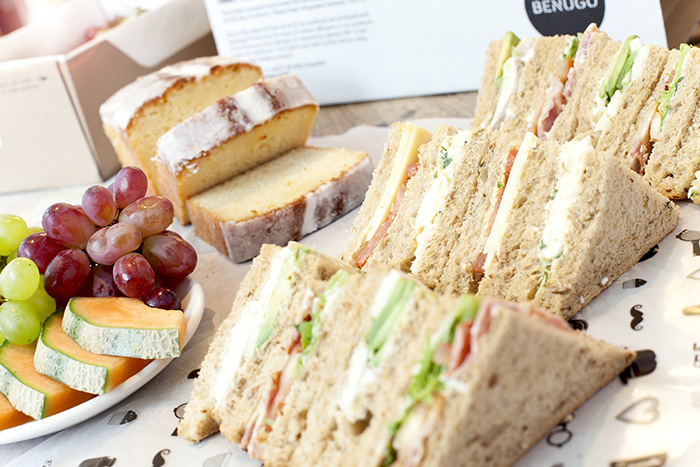 Ideal for meetings and conferences, the delivery menu includes sharing boxes and platters.