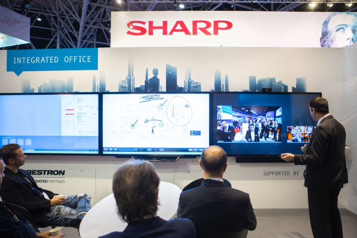 sharp-advanced-multi-board-at-ise-2016_video-conferencing
